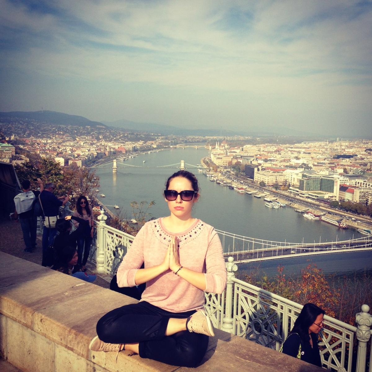Παριστανοντας το Βουδα στη Βουδαπεστη