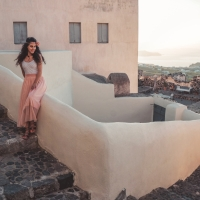 Ο Πυργος ειναι το πιο γραφικο χωριο της Σαντορινης